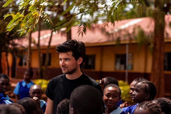 Stichting Kisiwa laat kinderen inKenia al tien jaar groeien en bloeien