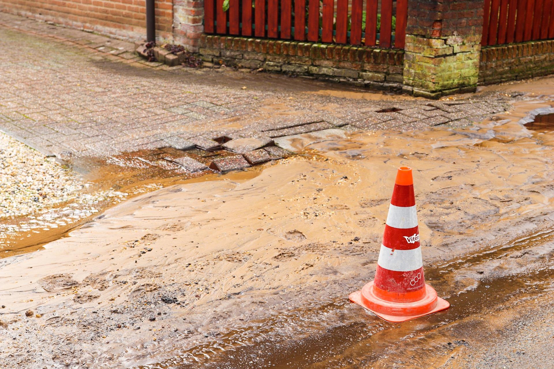 Bewoners Oranjestraat opnieuw problemen met water door leidingbreuk