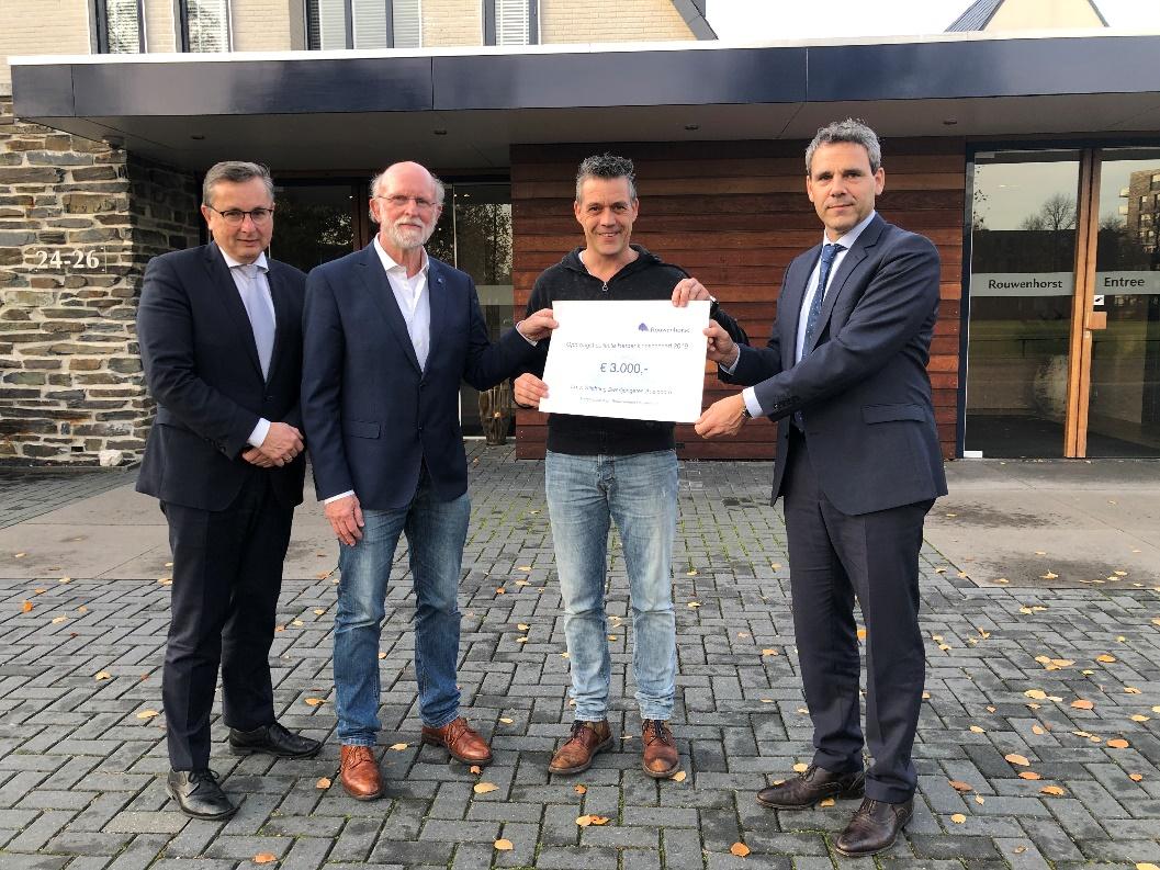 Ruim 2.500 euro opgehaald voor Stichting Zwerfjongeren Apeldoorn