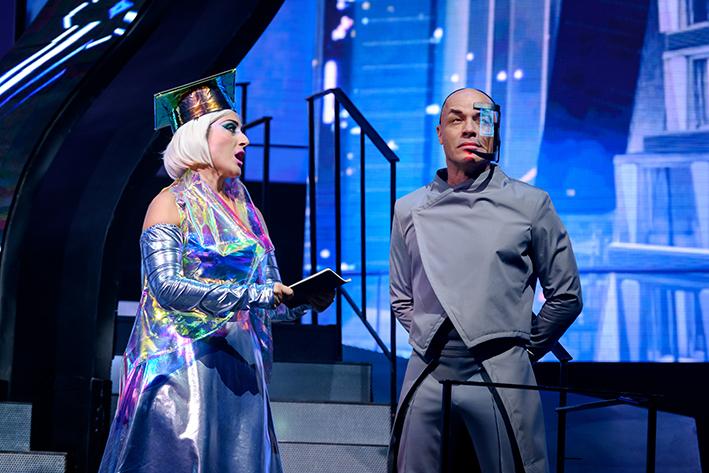 Stanley Burleson schittert in Apeldoorn in musical We Will Rock You