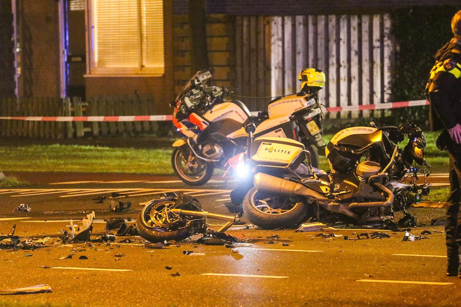 Motoragent ernstig gewond na aanrijding; traumahelikopter brengt hem naar ziekenhuis.