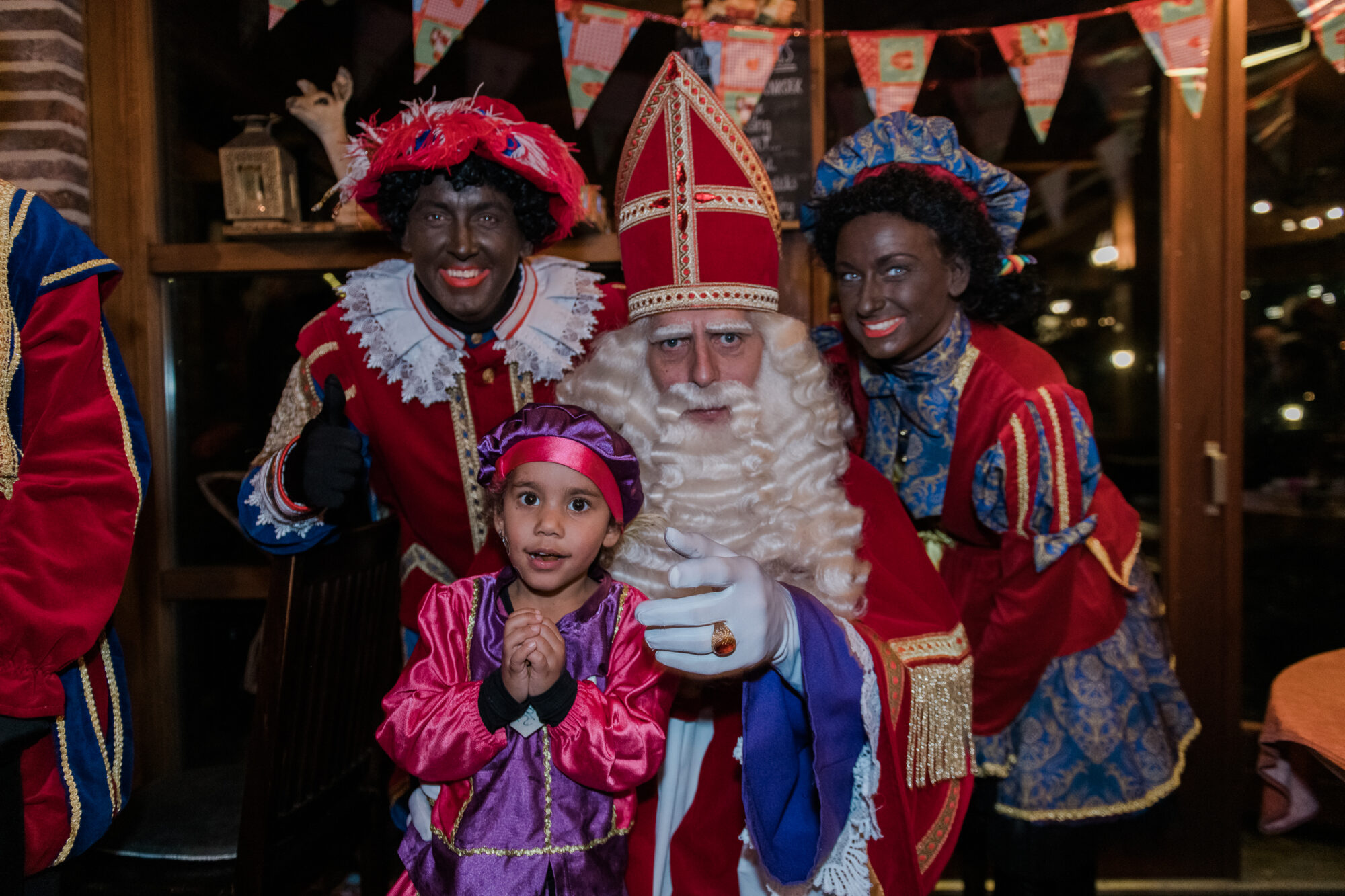 Pannenkoekenrestaurant Berg en Dal organiseerde Sinterklaasmiddag voor minder bedeelde kinderen