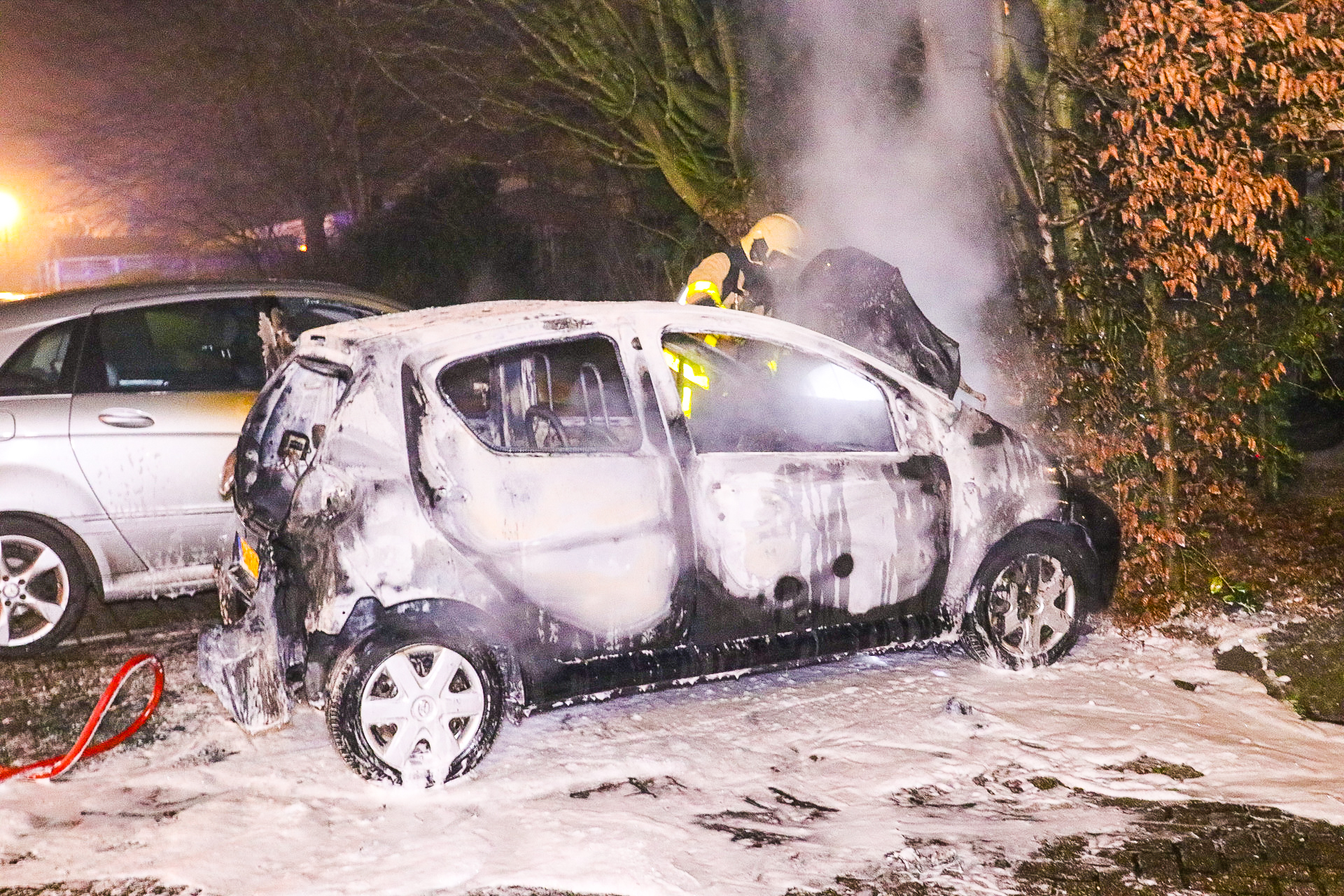 Brandweer rukt 117 keer uit met oud en nieuw en 42 vuurwerk slachtoffers behandeld door artsen