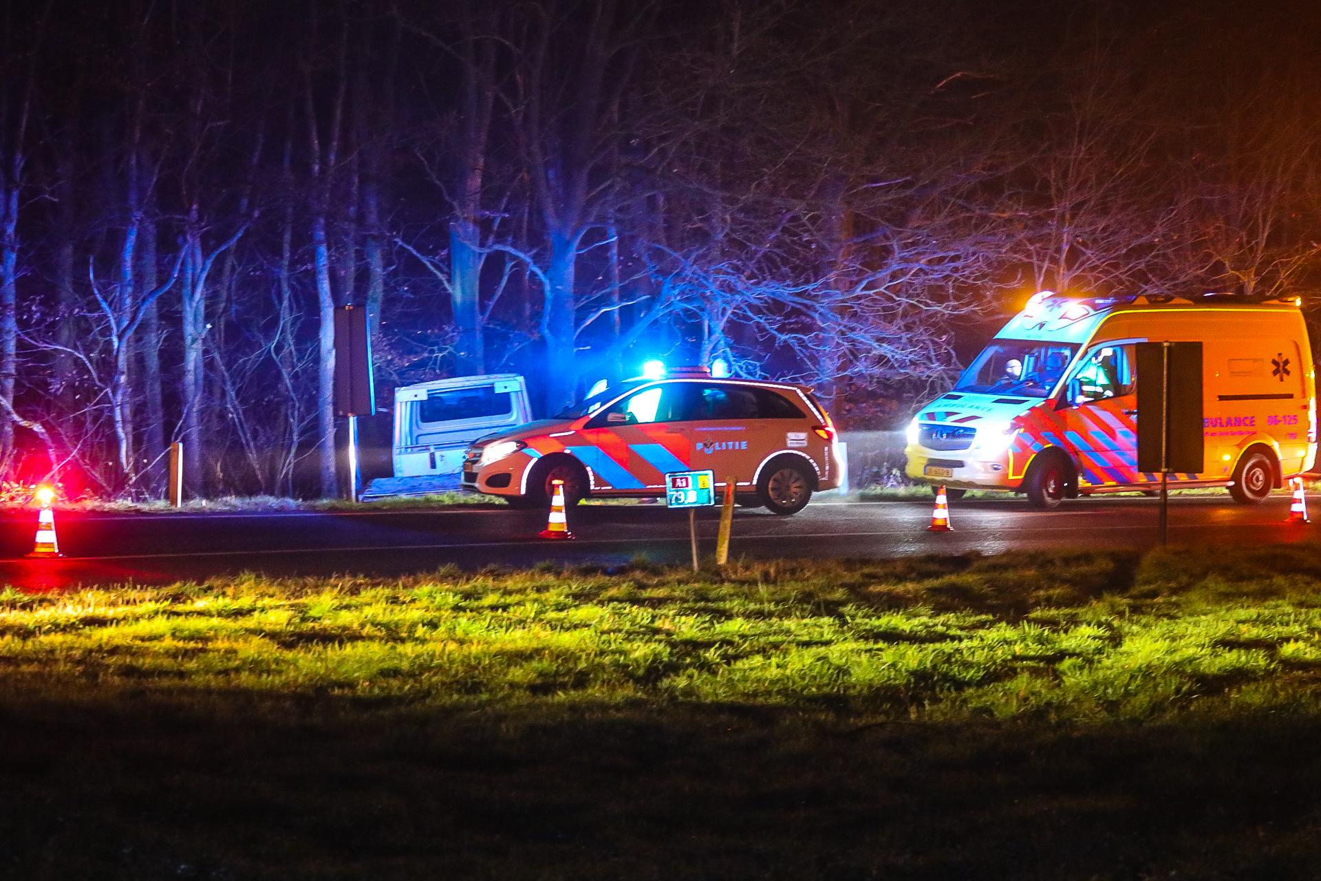 Ernstig ongeval in bocht van afrit A1 bij Ugchelen.