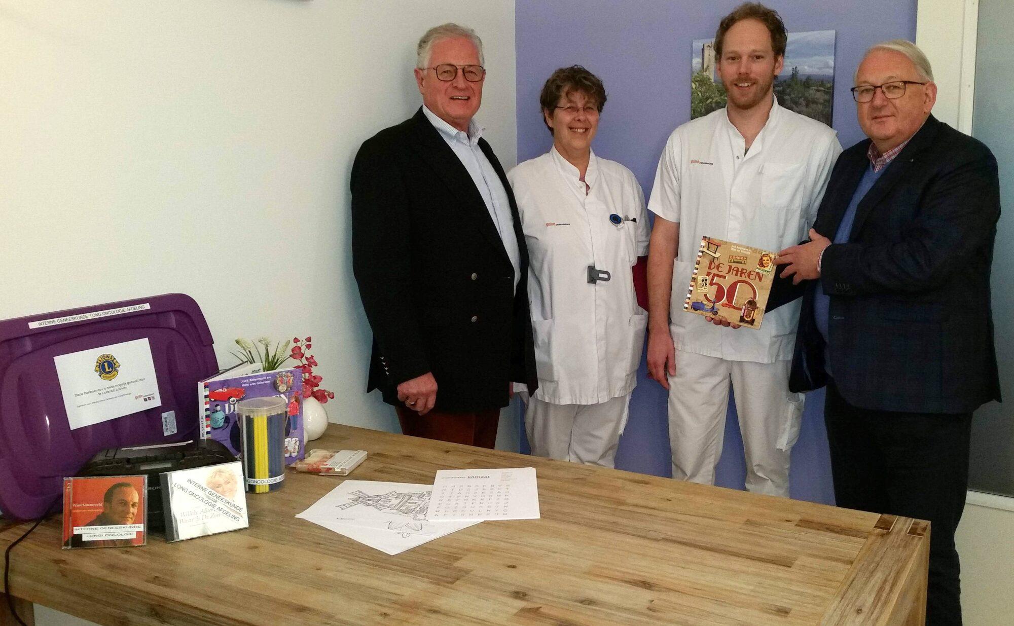 Gelre Zutphen ontvangt herinnerbox voor patiënten van Lions Club