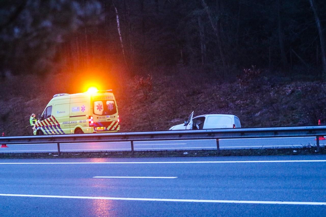 Auto raakt van de weg bij Ugchelen