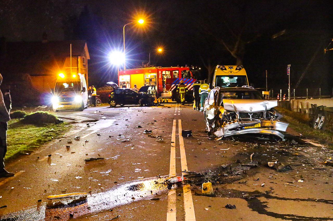 Twee gewonden bij ernstig ongeval in Loenen.