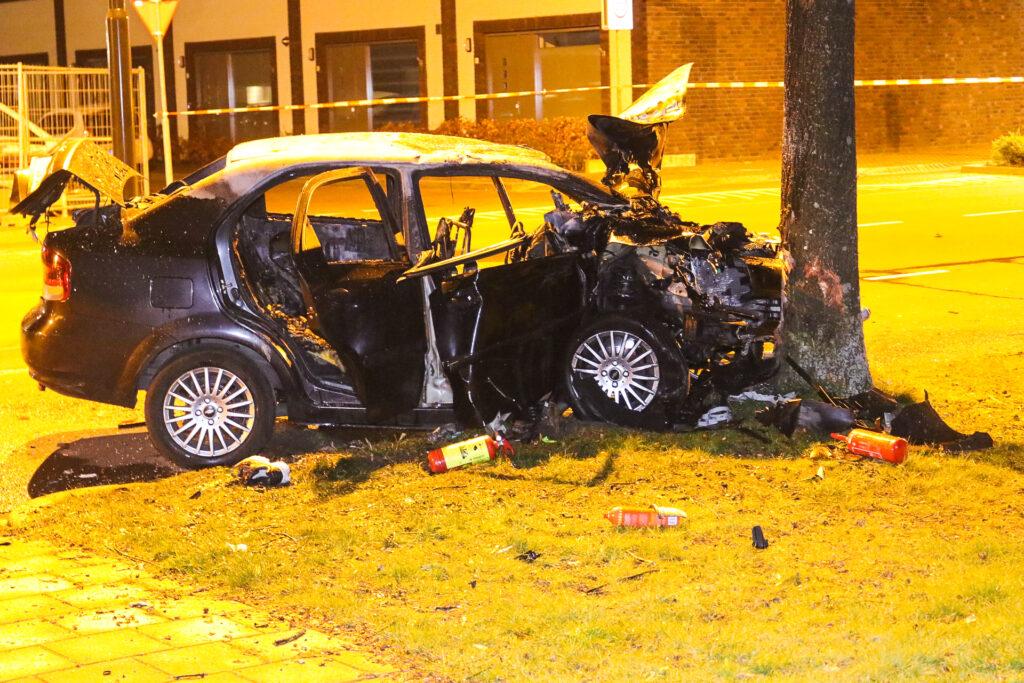 Ernstig ongeval in Apeldoorn; drie gewonden.