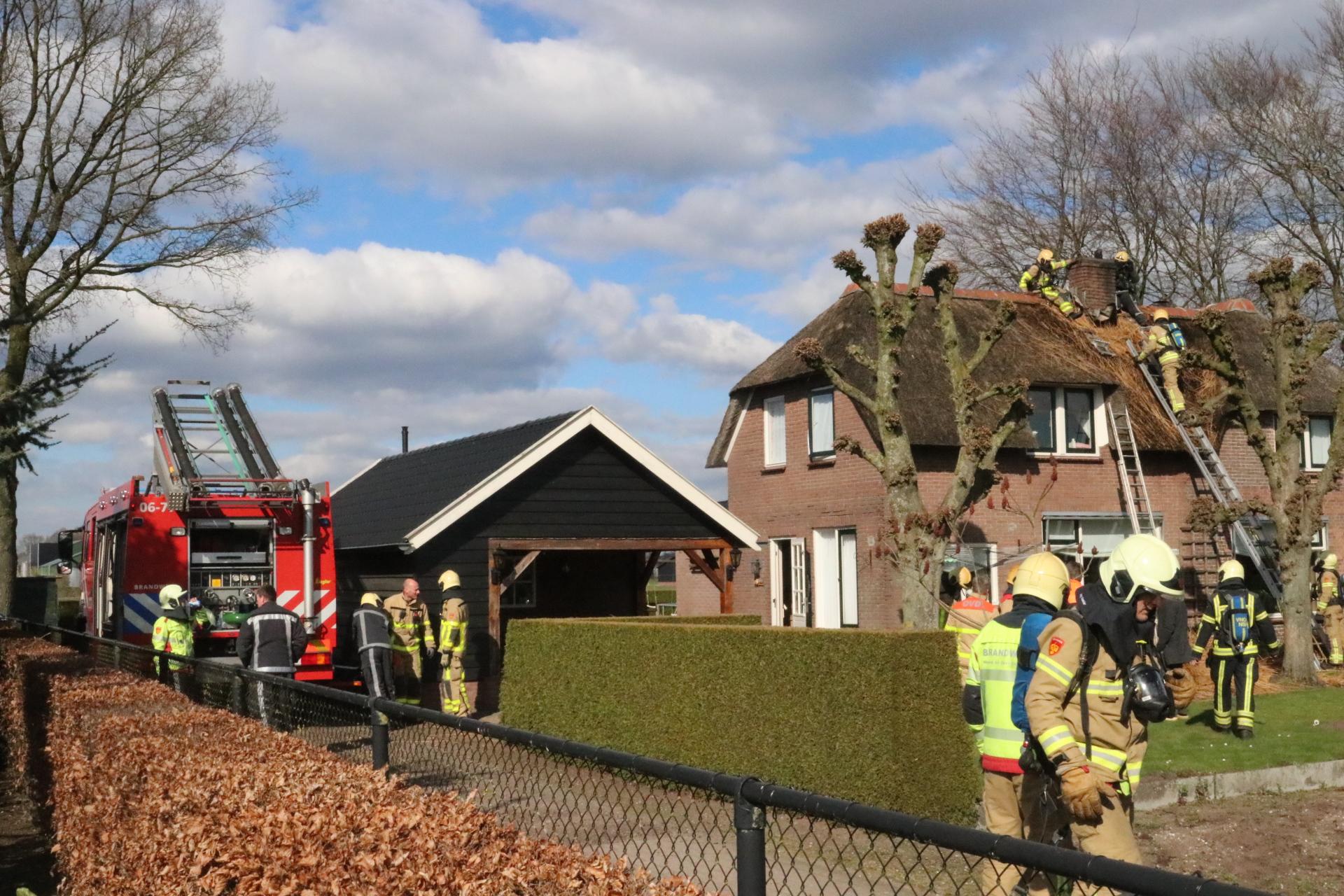 Twee woningbranden in rietgedekte panden in de gemeente Apeldoorn