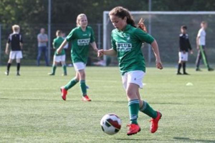 Meidenvoetbal bij Groen-Wit'62