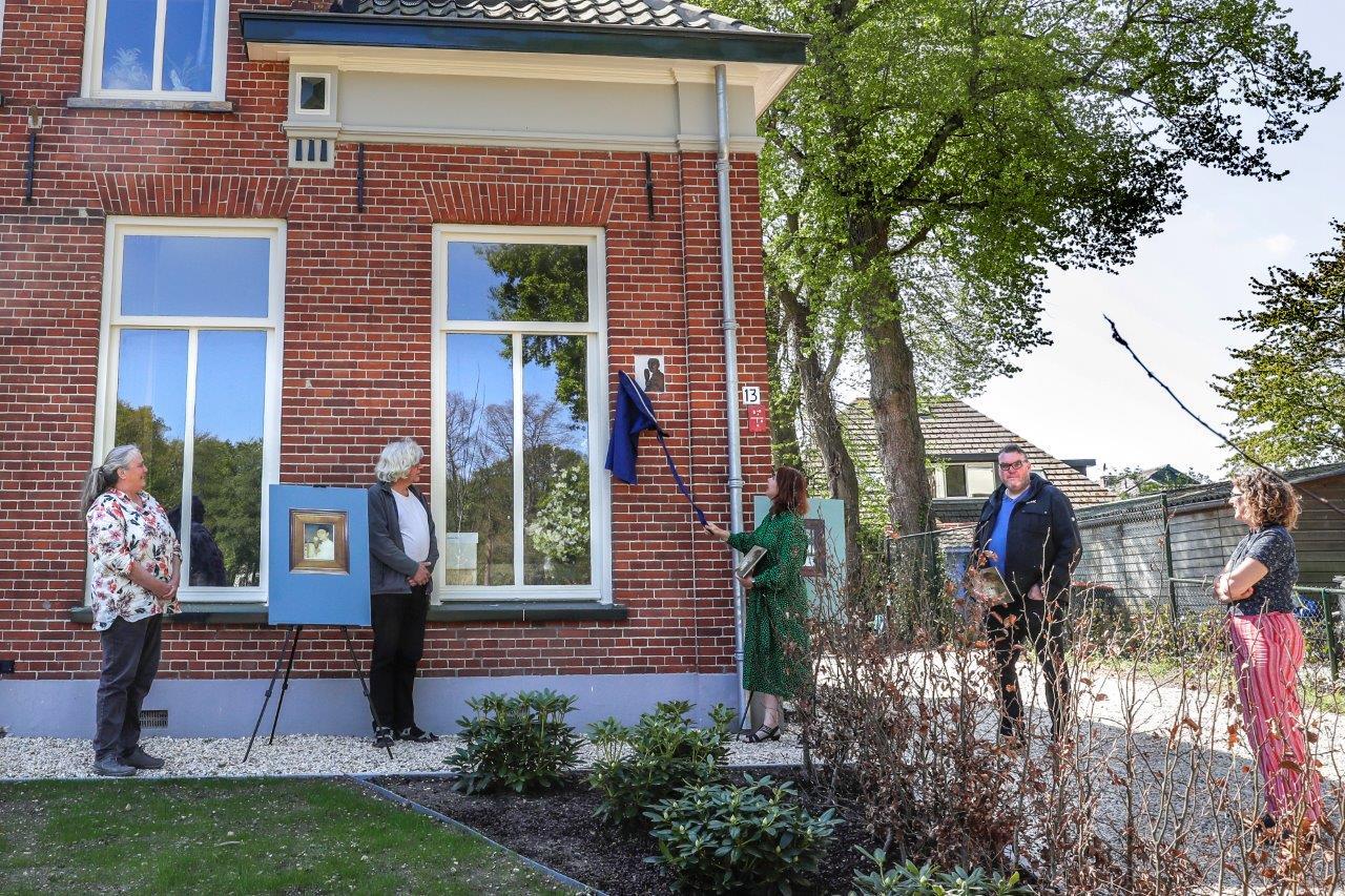 Plaquette aan woonhuis Jan Mankes