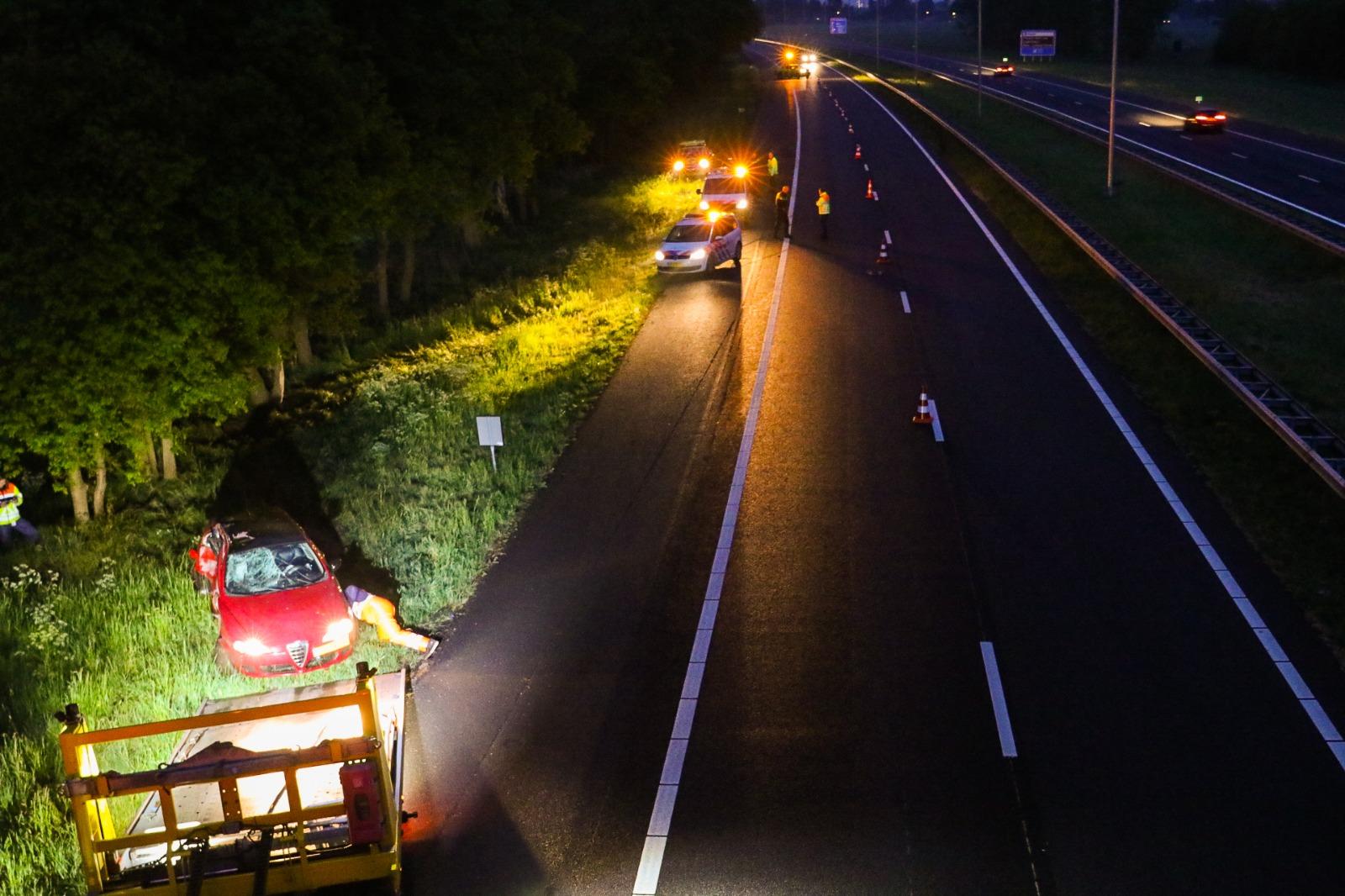 Automobilist raakt in botsing met dier op de A50