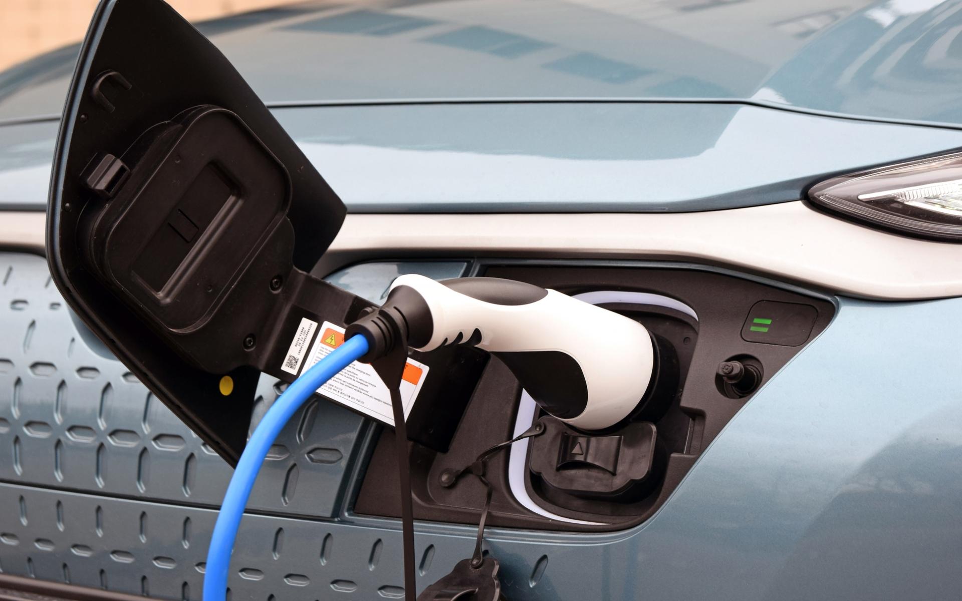Lenen voor een elektrische auto of toch leasen?