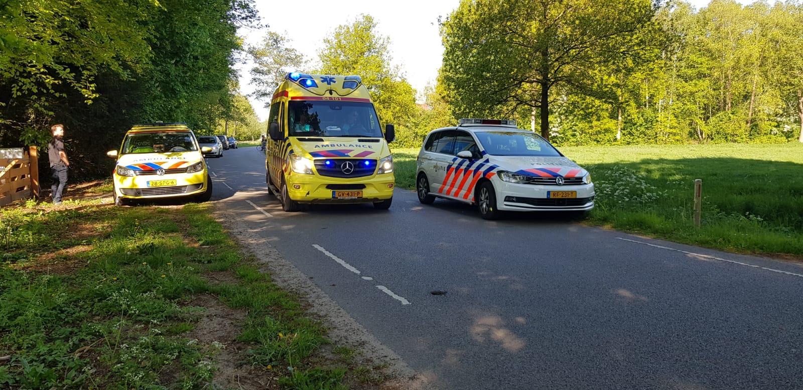 Hulpdiensten rukken massaal uit naar Plakkerweg in Heerde; oorzaak onbekend