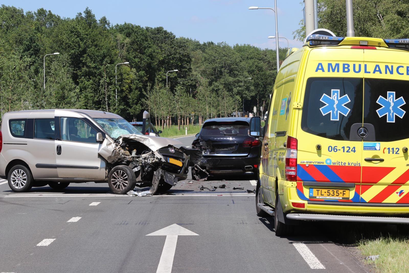 Gewonde bij ongeval op Europaweg in Apeldoorn