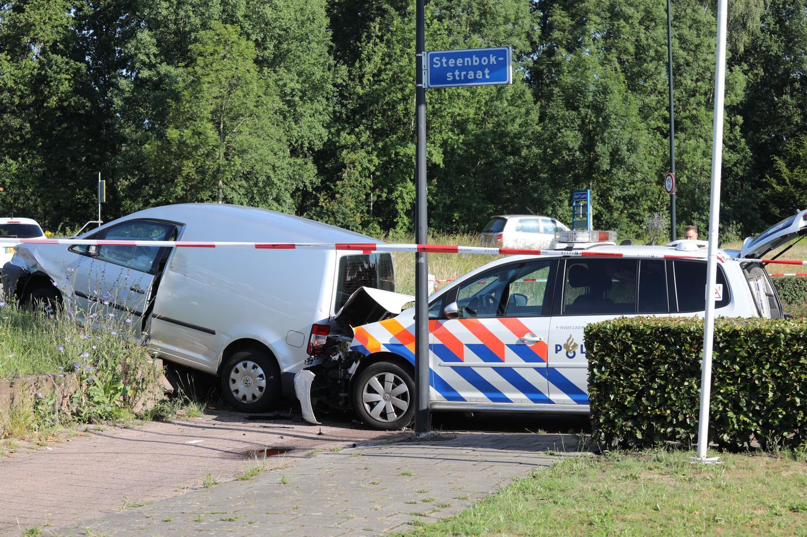 Politie start achtervolging na melding inbraak in Apeldoorn