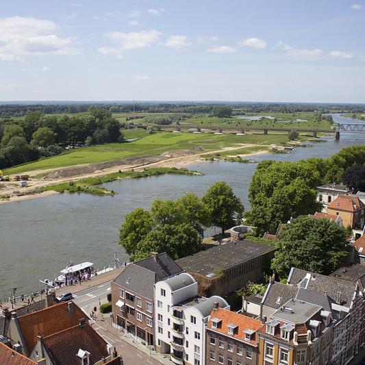 Nieuwe inrichting voorplein Mimik en fietspad in Deventer