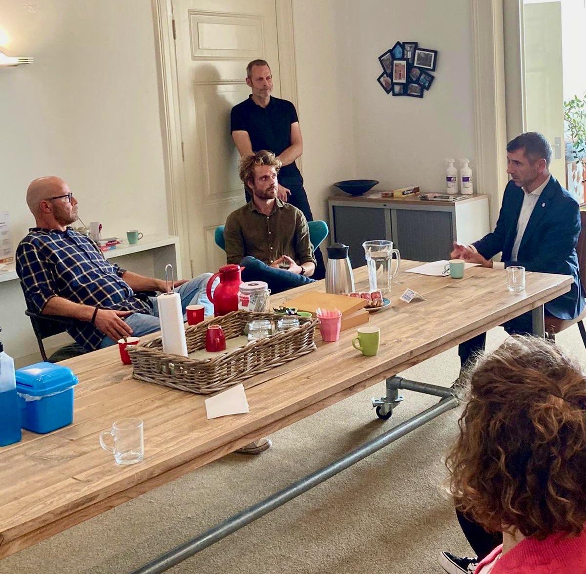 Staatssecretaris Paul Blokhuis brengt bezoek aan Praktijkhuis Ixta Noa