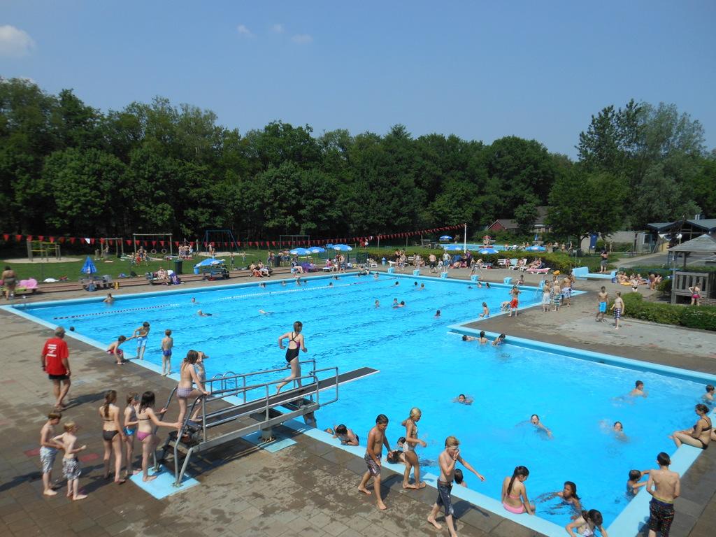 Meer speelruimte voor zwembaden in Almen en Gorssel