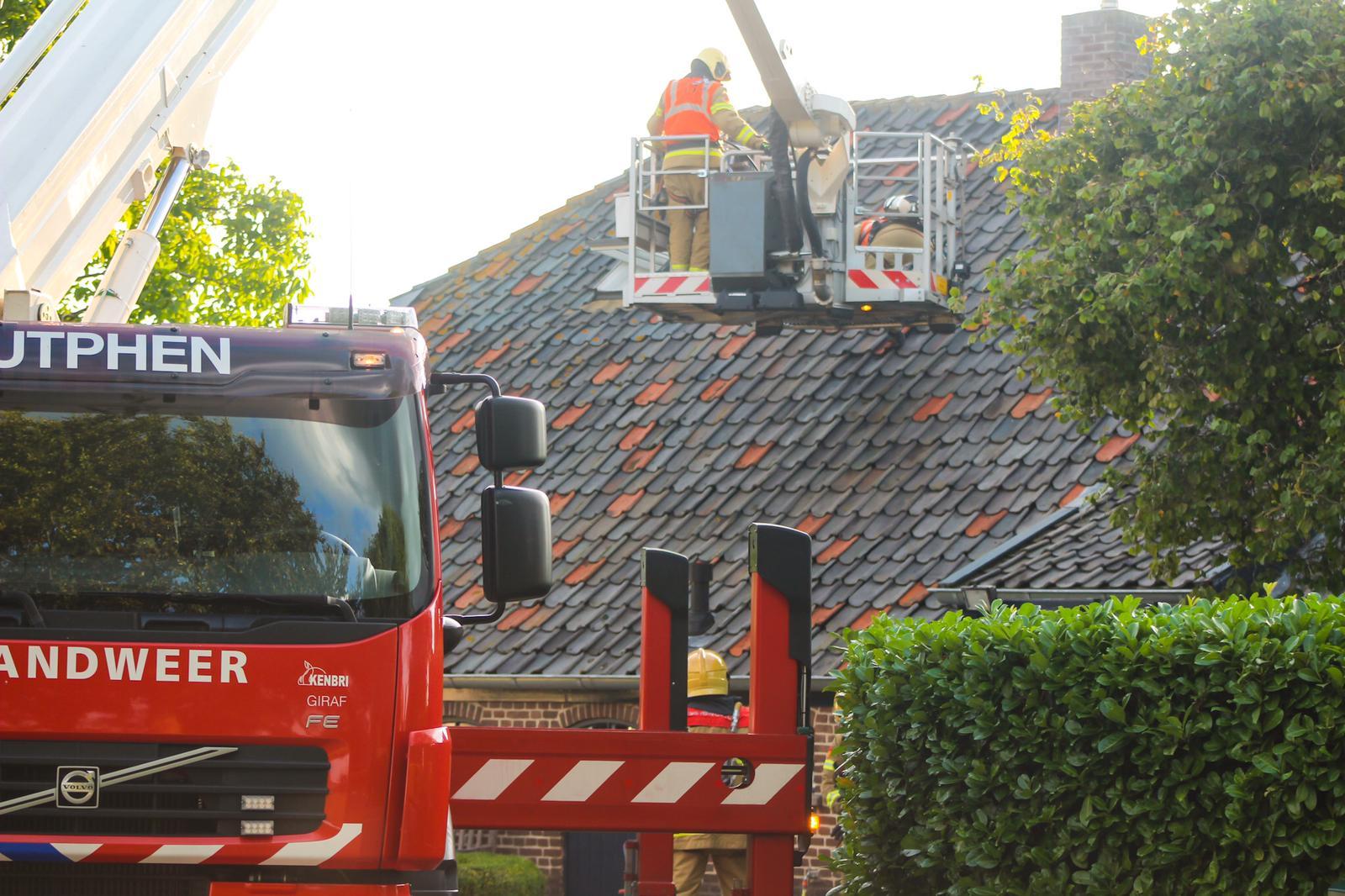 Woningbrand aan Hoogstraat in Toldijk; oorzaak onbekend