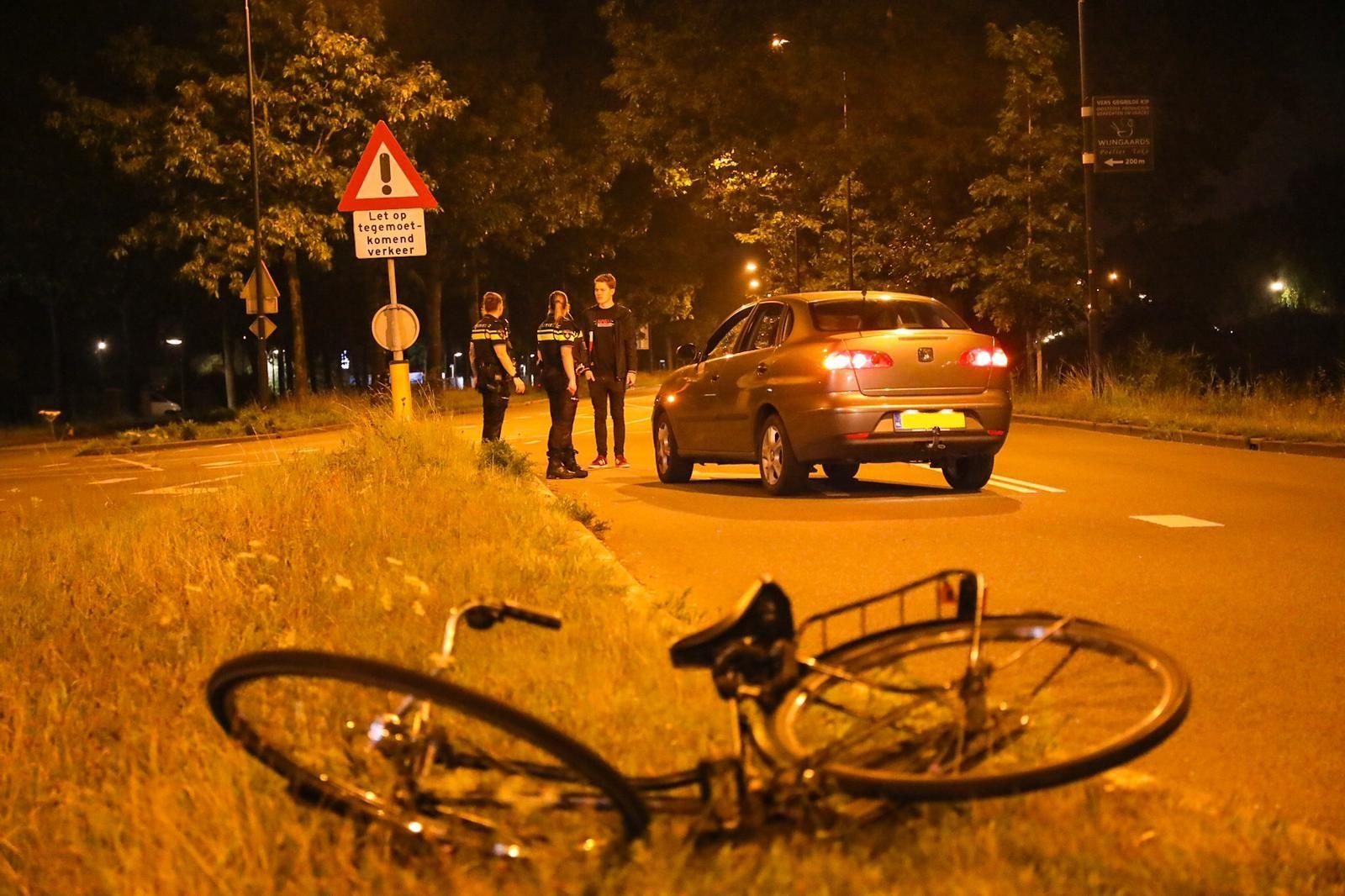 Gezellige avond loopt slecht af; gewonde fietsster moet mee naar ziekenhuis