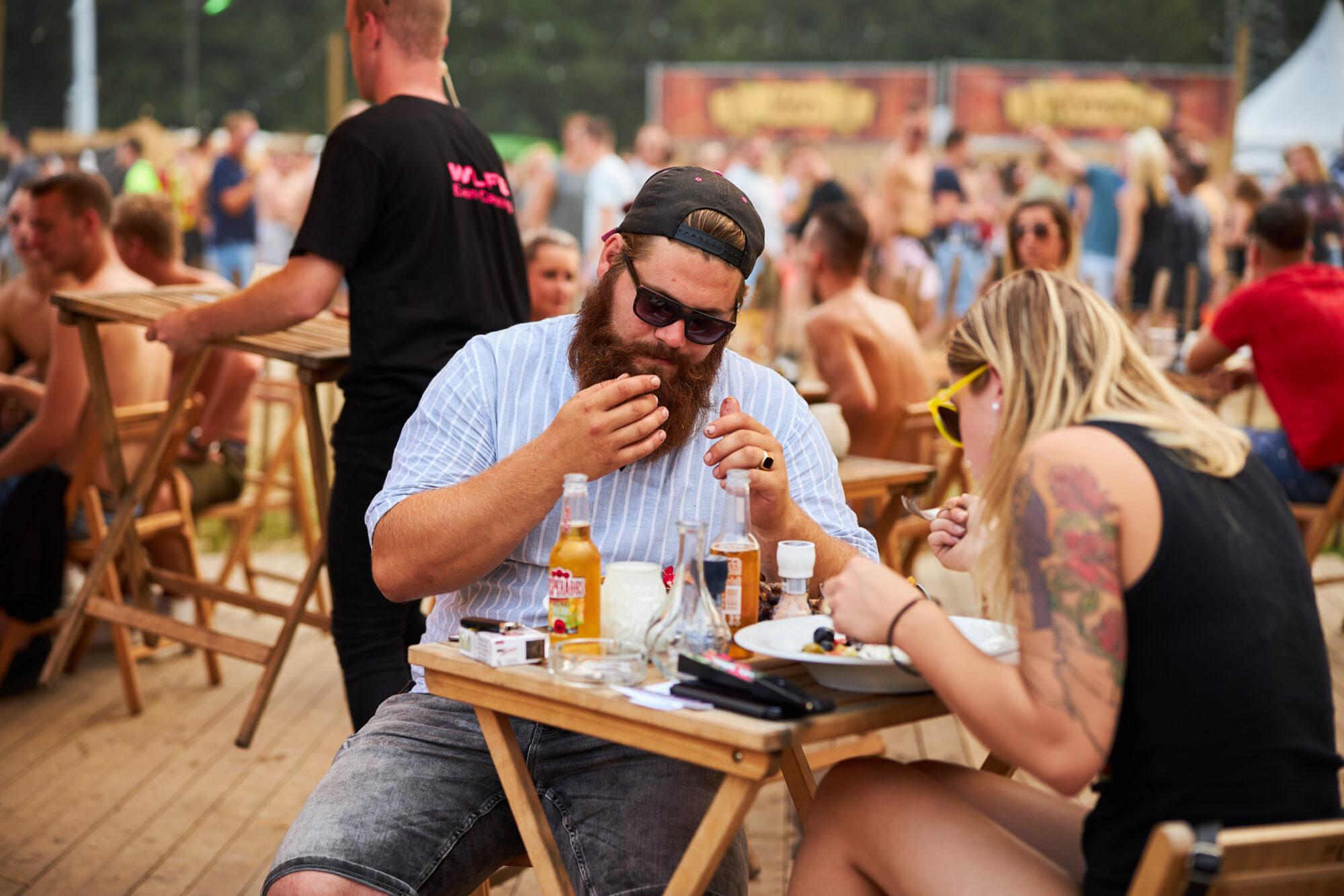 Muziek, gezelligheid, eten en drinken tijdens Terrastival in Apeldoorn