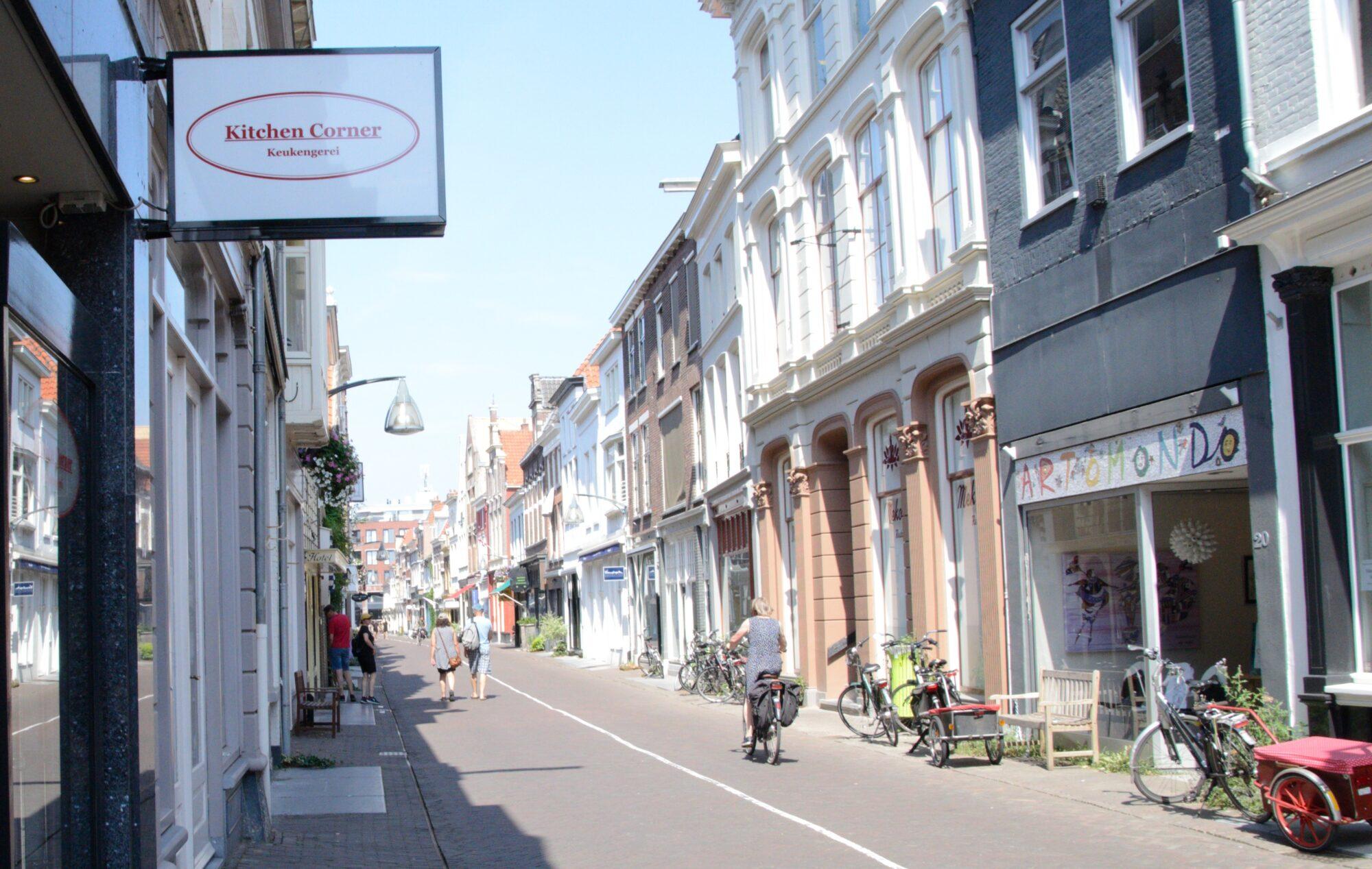 Nieuwstraat en T.G. Gibsonstraat: Veelzijdigheid en specialisatie in één straat