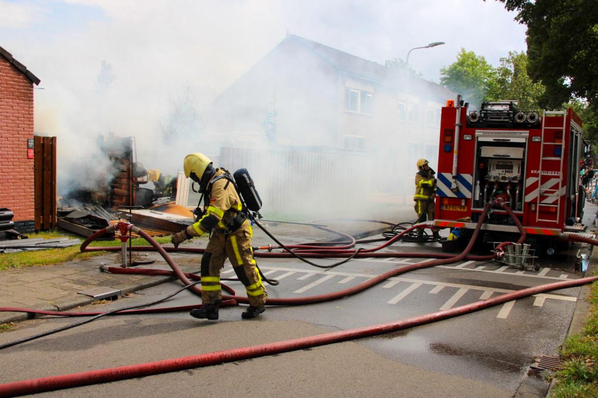 Forse uitslaande brand verwoest woning