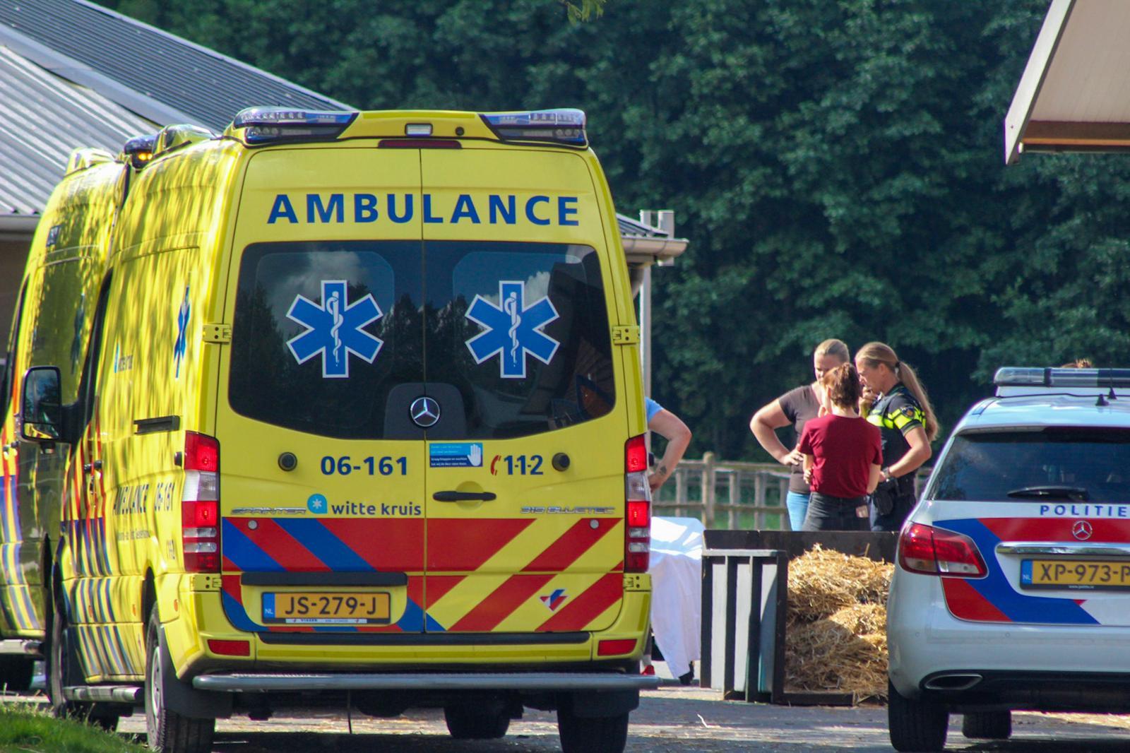 Slachtoffer ernstig gewond bij ongeval op manege in Vorden.