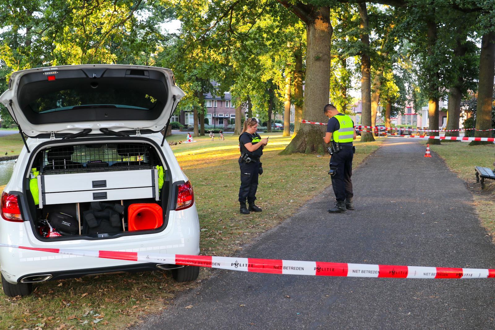 *VIDEO* Een persoon zwaargewond bij steekpartij in Oranjepark