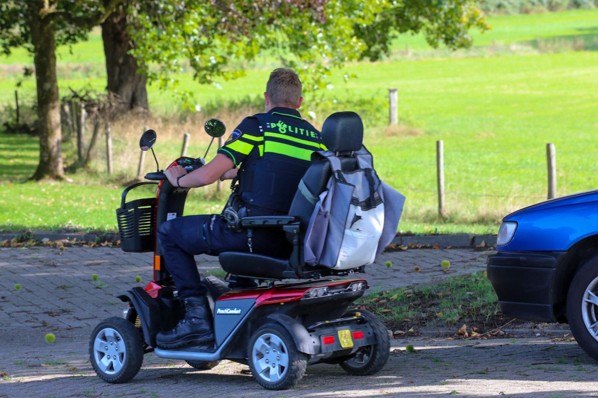 Man gewond na botsing met auto in Voorst