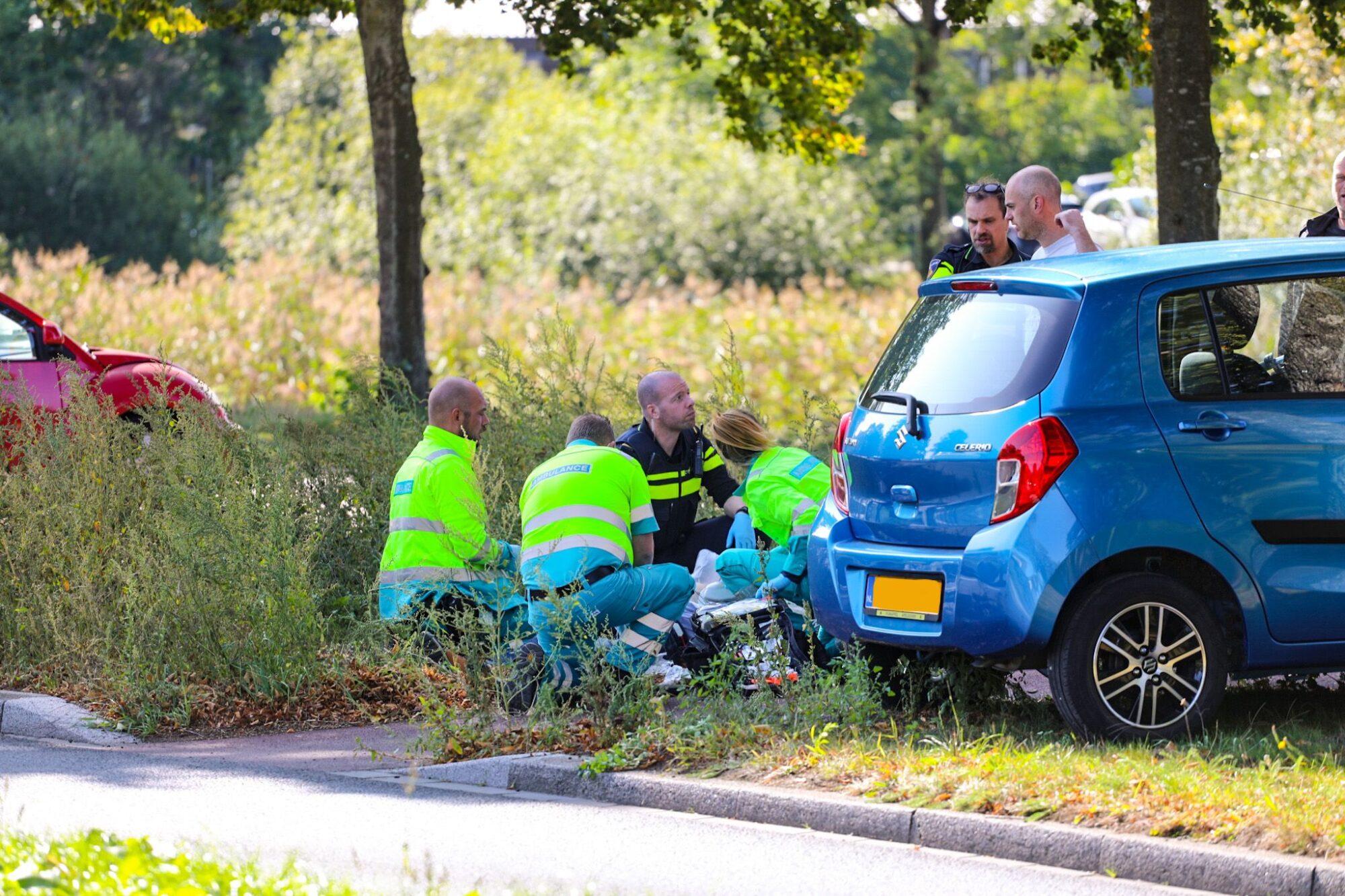 VIDEO | Fietser onwel geworden op fietspad in Apeldoorn