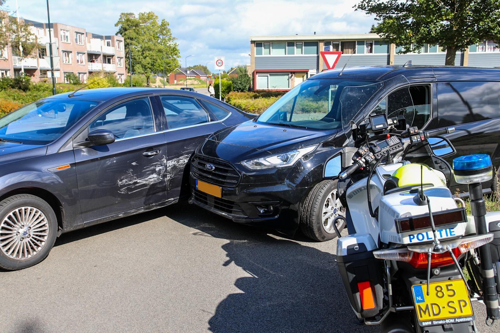 Zwangere vrouw blijft ongedeerd bij ongeval aan Laan van Zevenhuizen.
