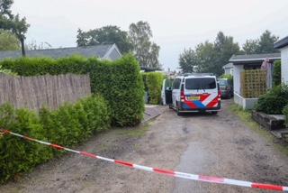 Grote politieactie in Loenen; vuurwapen en chemicaliën aangetroffen