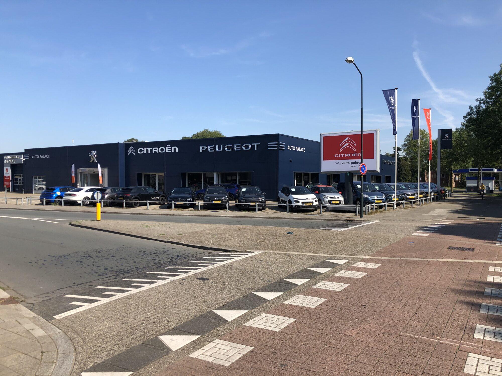 Citroëns en Peugeots nu onder één dak in Apeldoorn