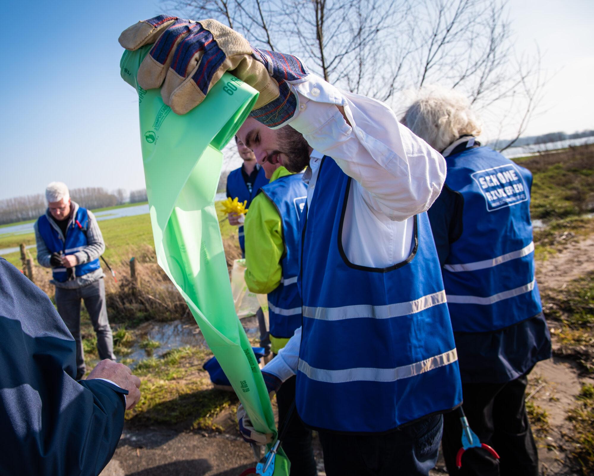 Verenigingen mogen opruimen langs de IJssel