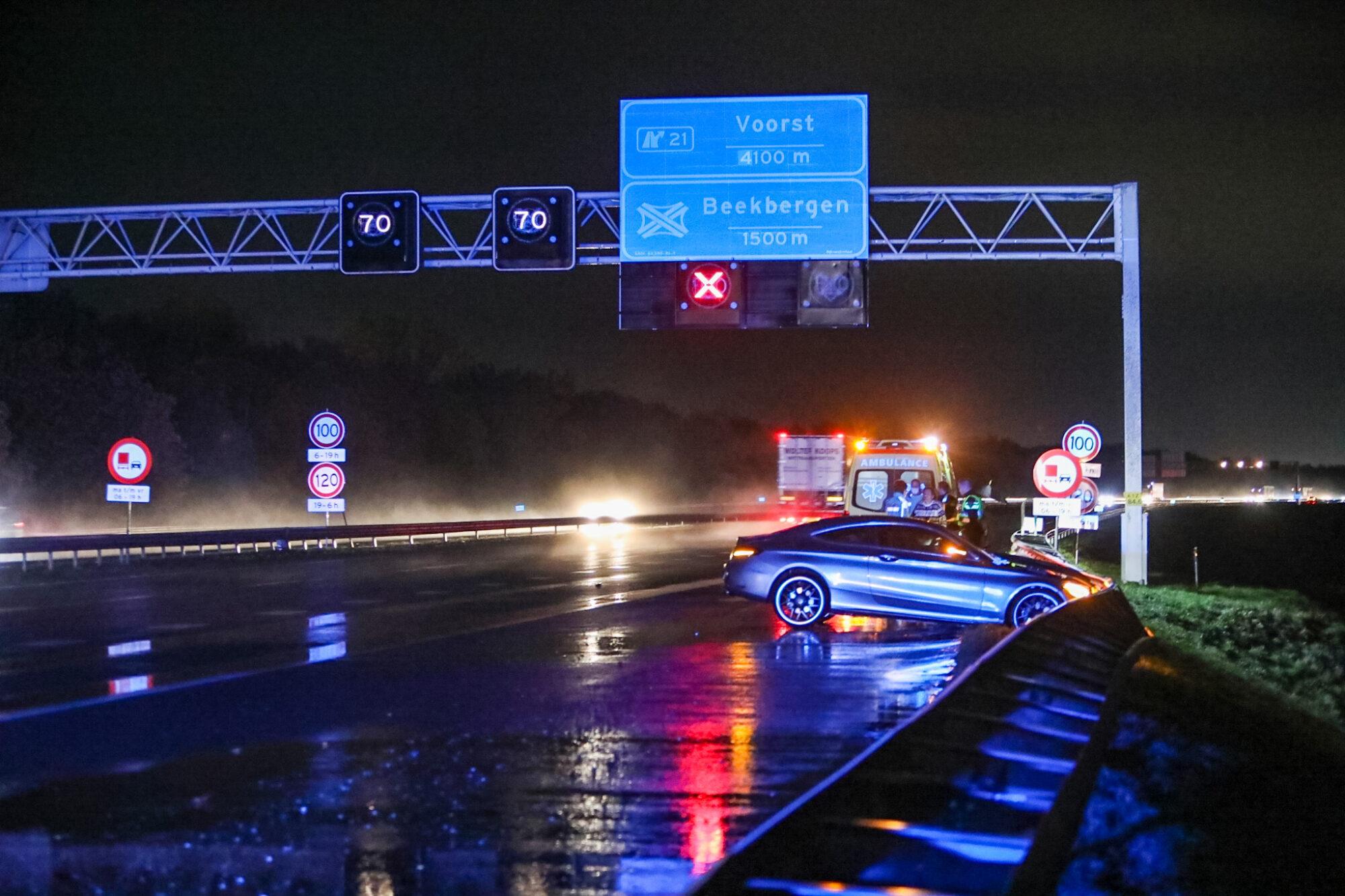 Wessem - Dodelijk ongeval op A2 ter hoogte van Wessem.