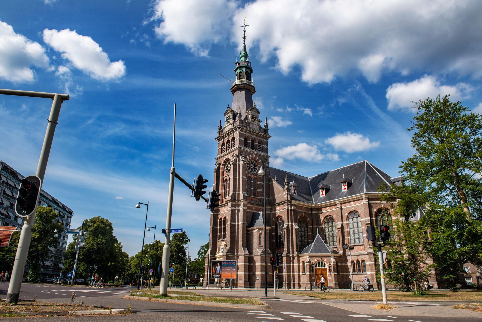 Kerkproeverij: proeven van zestien kerken