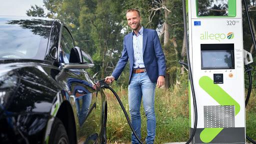 Laadpalen elektrische auto's in Deventer vanaf nu alleen op lokaal opgewekte groene stroom