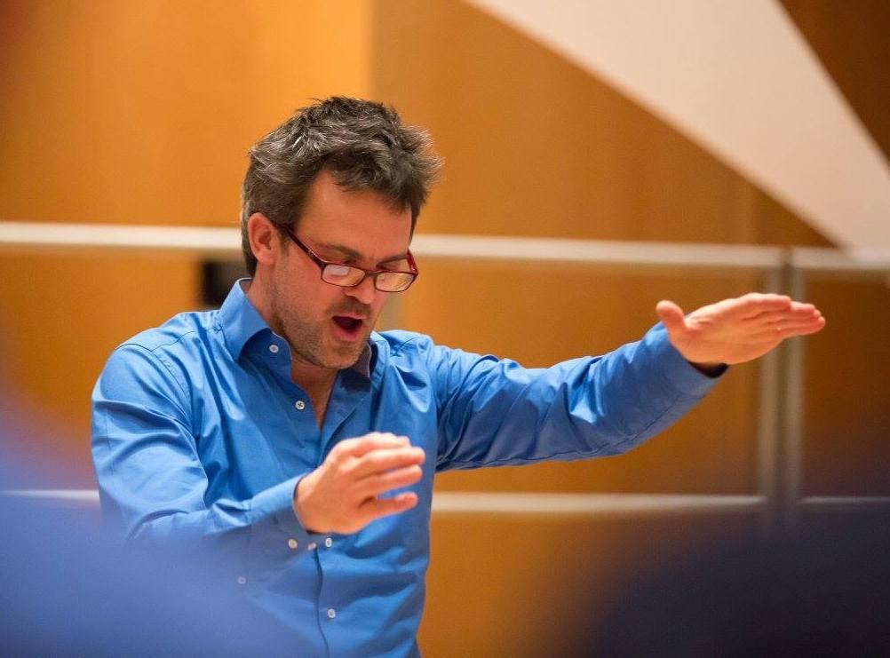 Dirigent Christoph Mac-Carty neemt stokje over