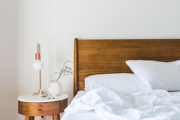 Tips om je kleine kamer groter te doen lijken