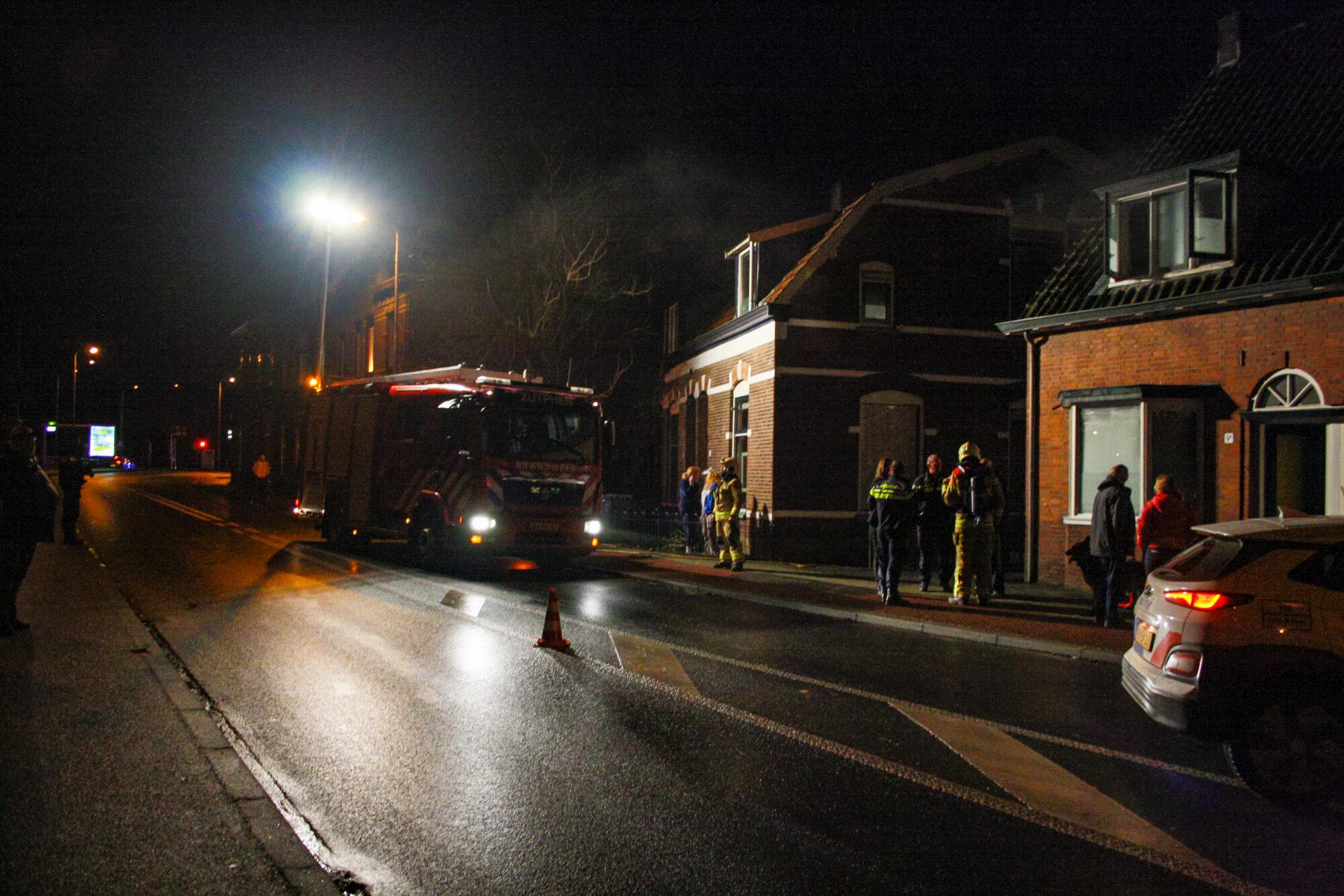 Bewoner naar ziekenhuis na brand in woning Zutphen