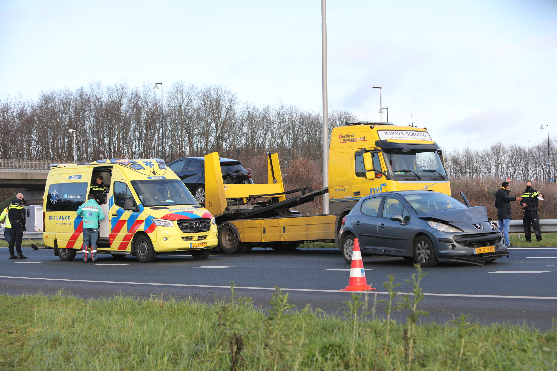 Gewonde bij ongeval op A50 bij Apeldoorn.