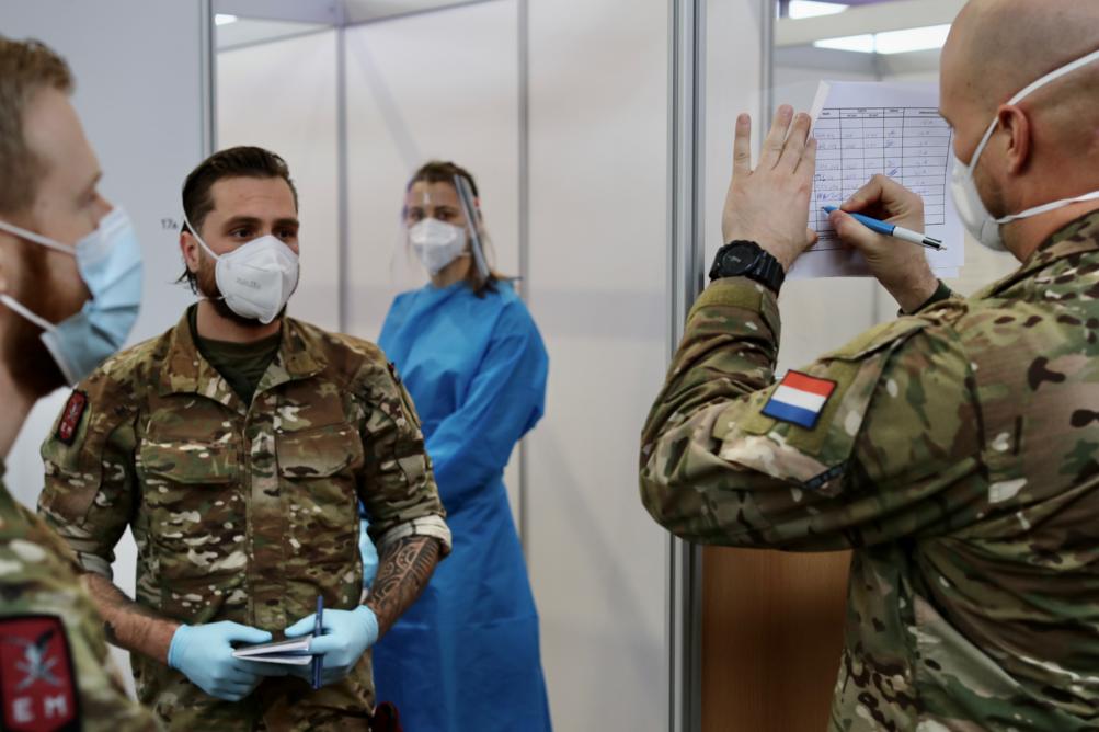 Militairen ondersteunen overbelast zorghotel Apeldoorn