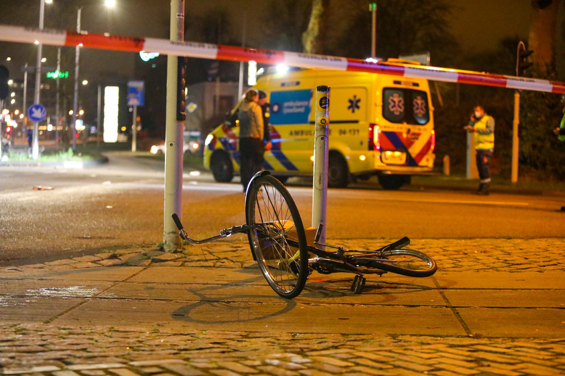 Twee zwaargewonden na ernstig verkeersongeluk in Deventer.