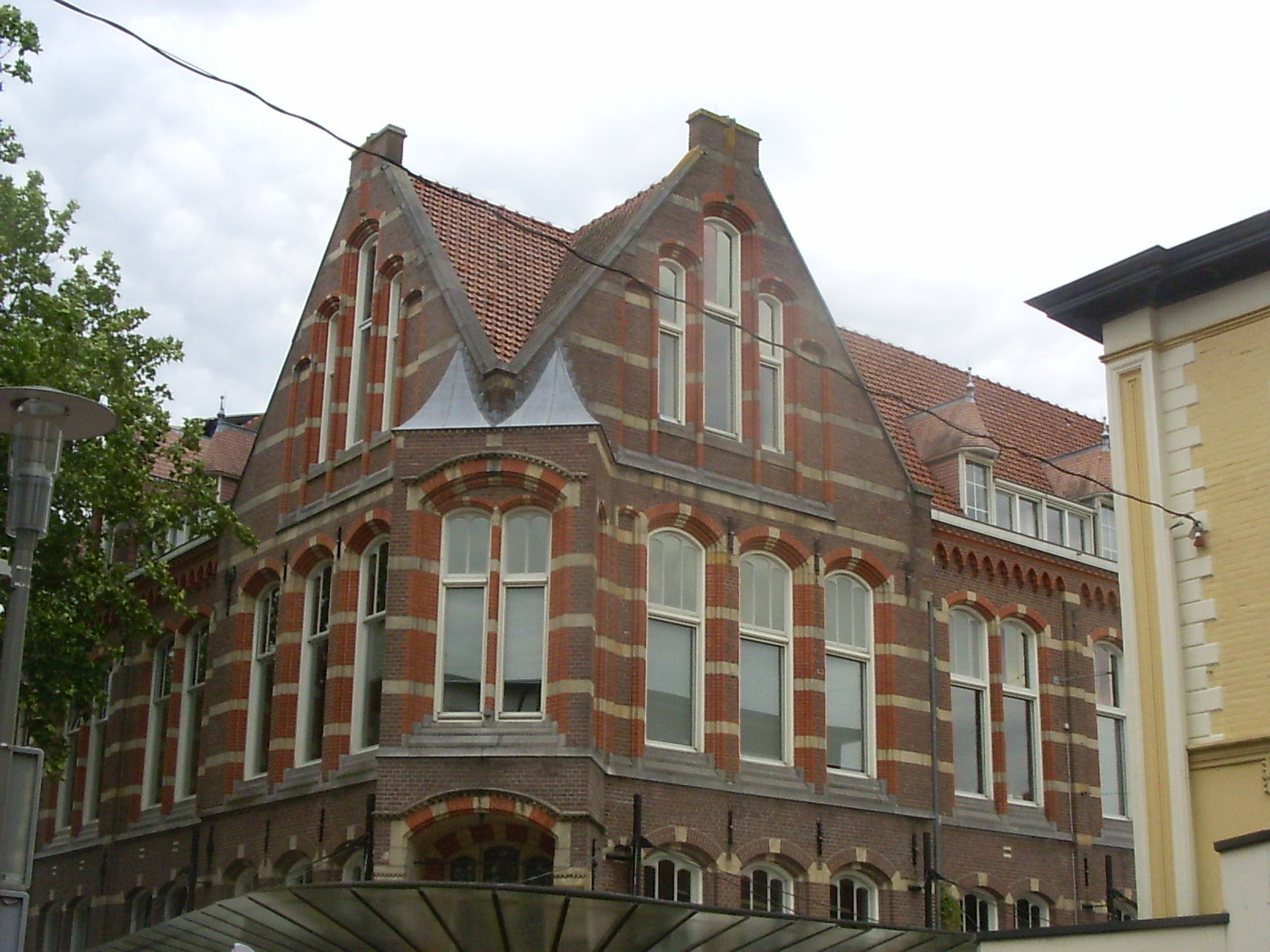 Kluswoningen in oud Apeldoorns postkantoor