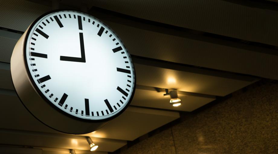 Vanaf zaterdag binnen blijven tussen 21.00 en 04.30 uur