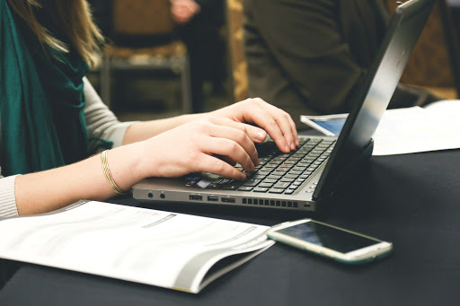 Helft consumenten wil online examinering