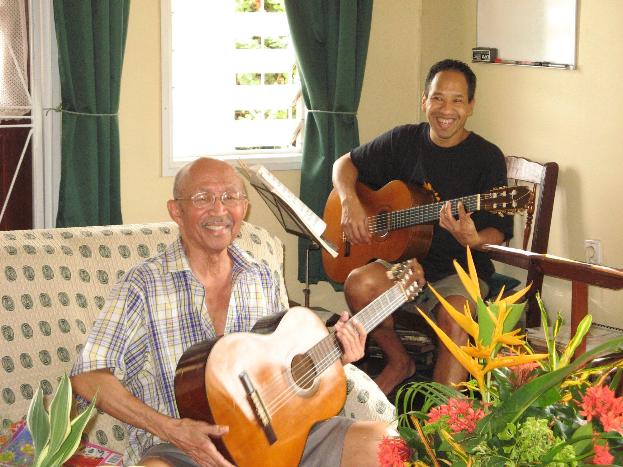 Gitarist brengt eerbetoon aan zijn vader én leermeester