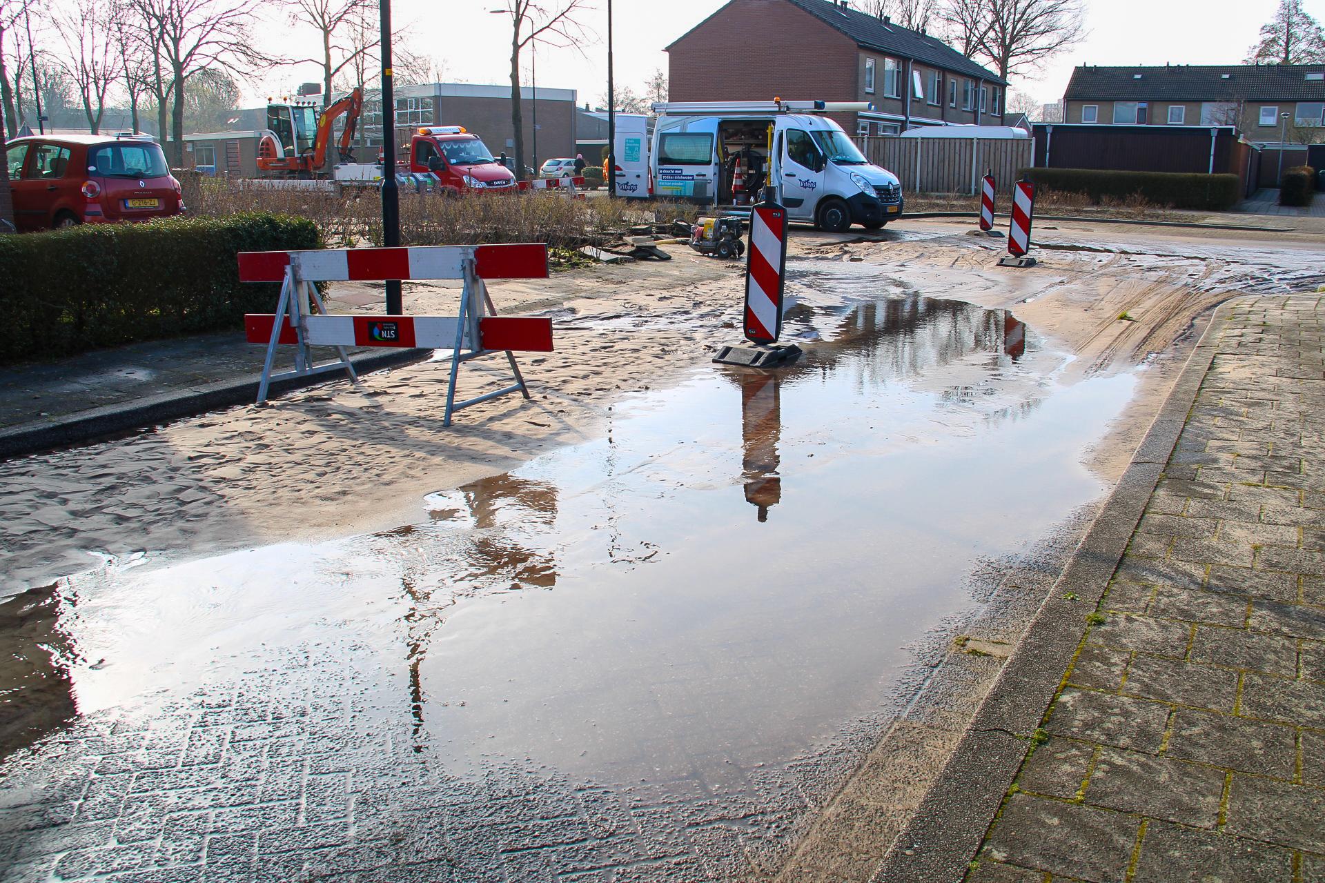 Waterleiding gesprongen in Apeldoornse wijk Zevenhuizen